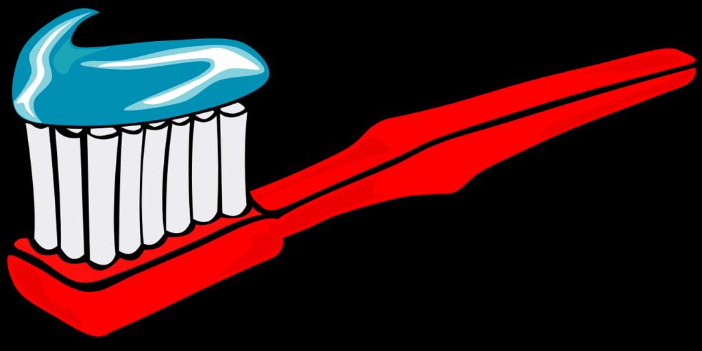 pasta na szczoteczce z fluorem